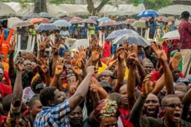 FB_IMG_15628606149961591 Market Women, Labour Groups, Youths, Others Pledge Support For Gov. Obaseki (Photos)