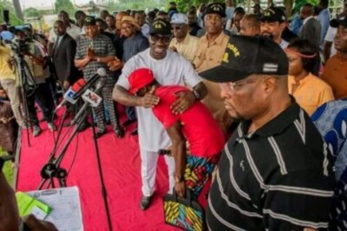FB_IMG_15628606506180355 Market Women, Labour Groups, Youths, Others Pledge Support For Gov. Obaseki (Photos)