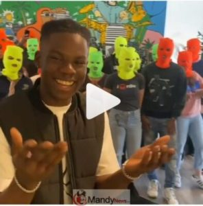 Remas-Fans-Wear-Face-Mask-To-Welcome-Him-In-America-296x300 Rema's Fans Wear Face Mask To Welcome Him In America (Photos)