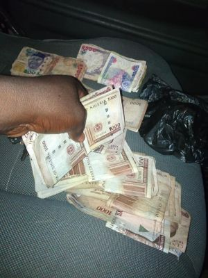 Lockdown: Nigerian Man Returns The Money He Found By The Road Side