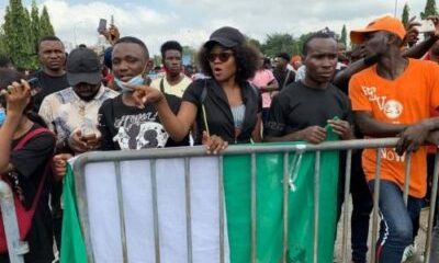 EndSARS Protesters Chase Away Lawmakers, Demand To See Senate President