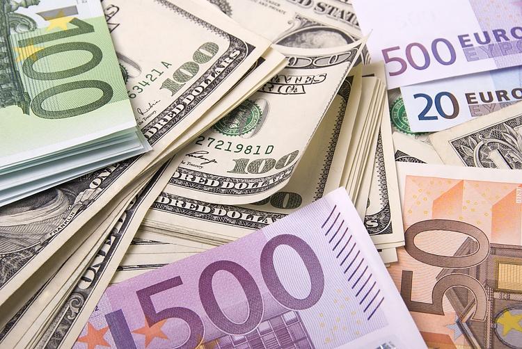 EUR / USD espera 1,2200 en medio de la caída de los rendimientos de los bonos del Tesoro de EE. UU. Y el estado de ánimo para el riesgo