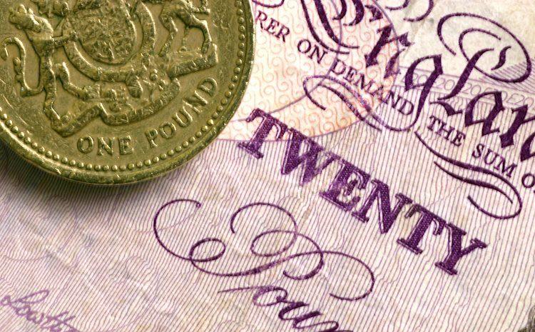 GBP / USD coquetea alrededor de 1.3700 en USD estable, Brexit tiembla