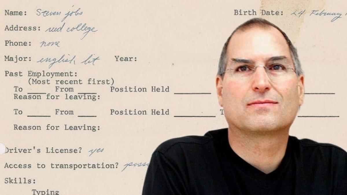 Solicitud de trabajo físico y copia espejo de Steve Job en forma NFT para enfrentar el bloque de subasta
