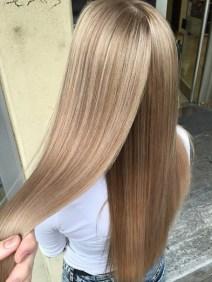 spring hair color trends - light honey blonde