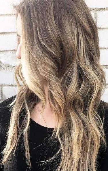 spring hair trends - natural dark blonde