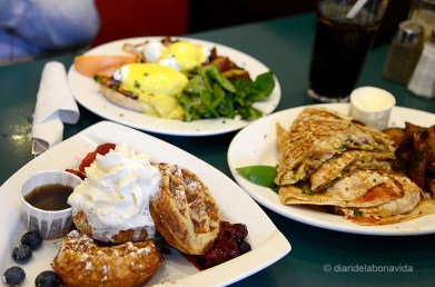 canada2517_easyrestaurant
