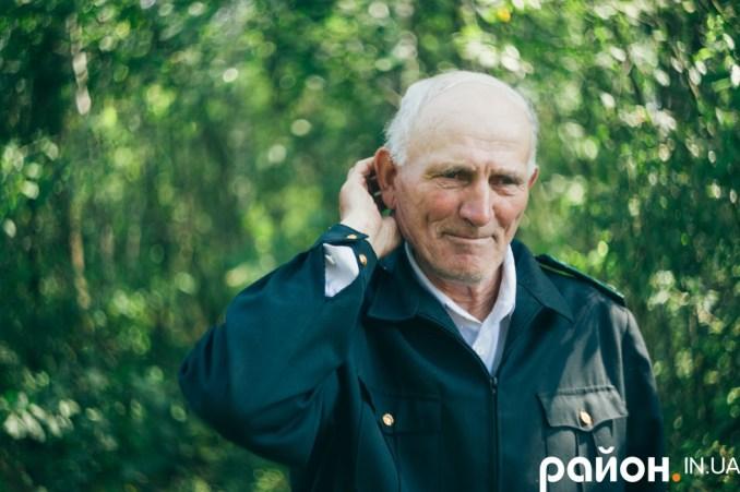 Дмитро Захарчук працює у лісі понад сорок років