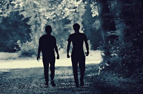 jalan kaki untuk postur tubuh manusia