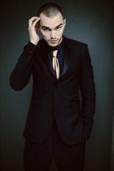 Suit: Burberry Prorsum | Shirt: Topman | Tie: Versace