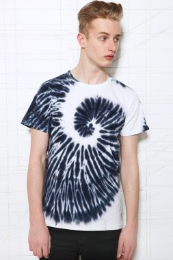 Worland-Urban-Outfitters-Tie-Dye-T-shirt-Blue-White