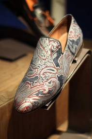Jimmy-Choo-LCM-SS14-Presentation-Paisley-Print-Slippers