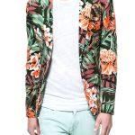 Zara_Floral_Print_Khaki_Blazer_Model