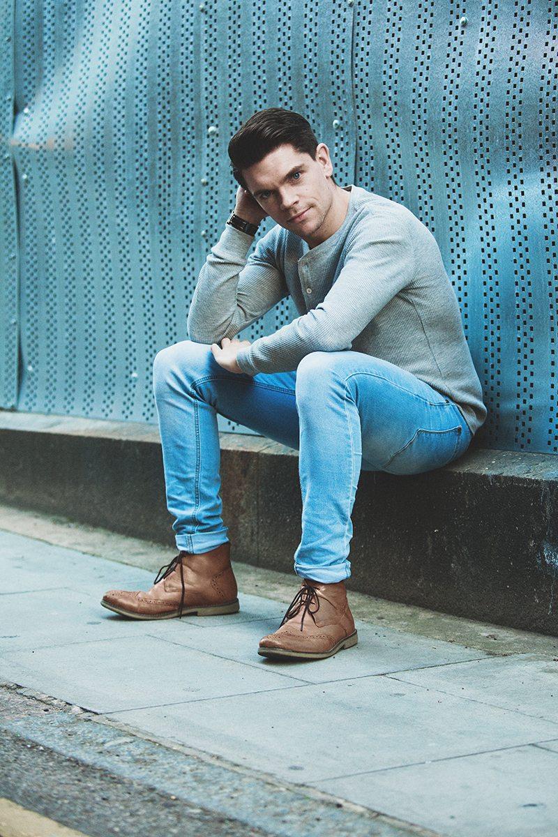 Robin-James_The-Utter-Gutter_Grey-Mango_Men-T-Shirt_Boohoo-Jeans
