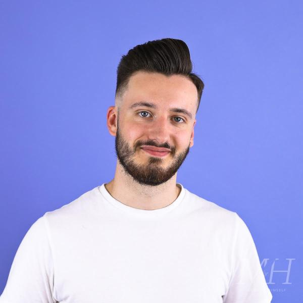 Skin Fade With Textured Top | Men's Haircut and Style