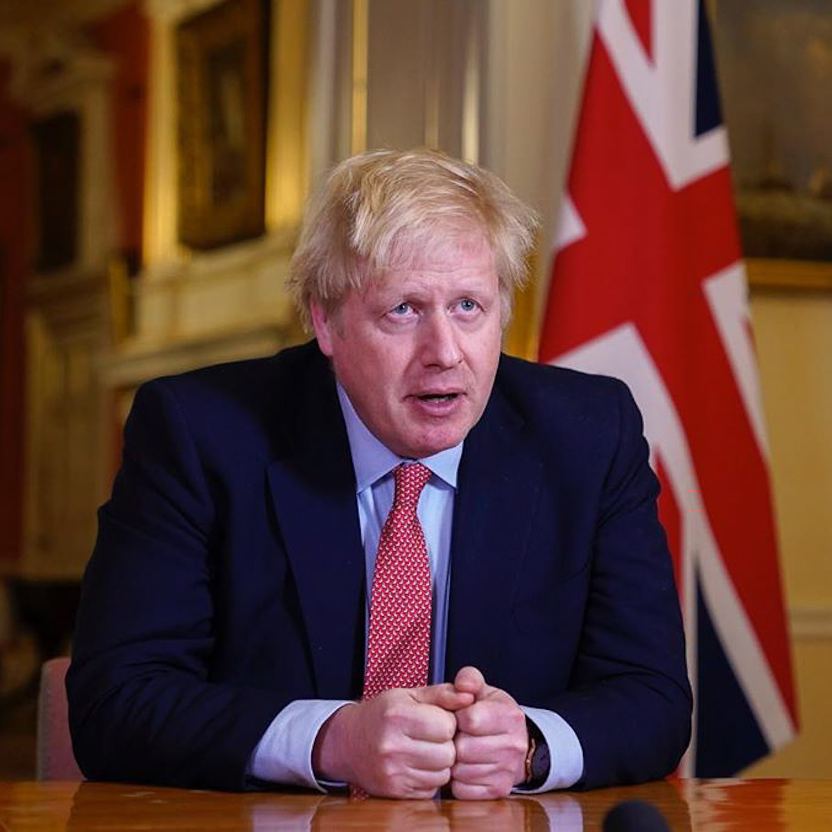 boris-johnson-uk-prime-minister-hair-loss-grooming-hairstyle-man-for-himself