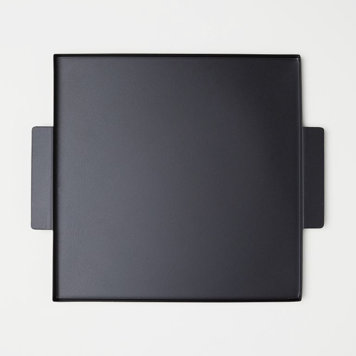 hm-black-metal-tray-storage-lifestyle-man-for-himself
