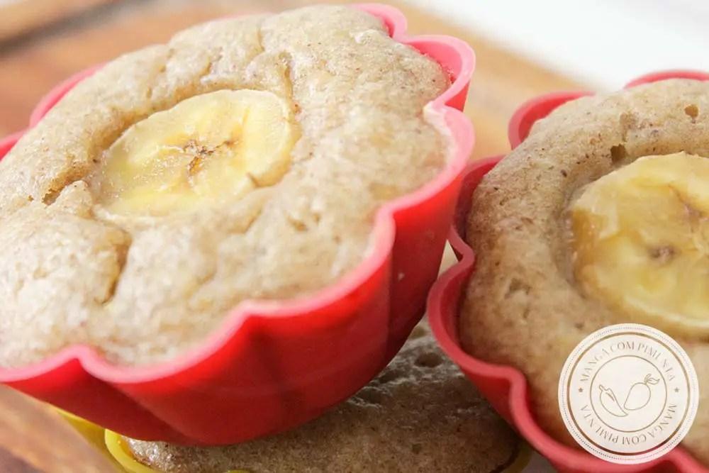 Muffin de Banana e Canela - um bolinho delicioso para levar na lancheira.