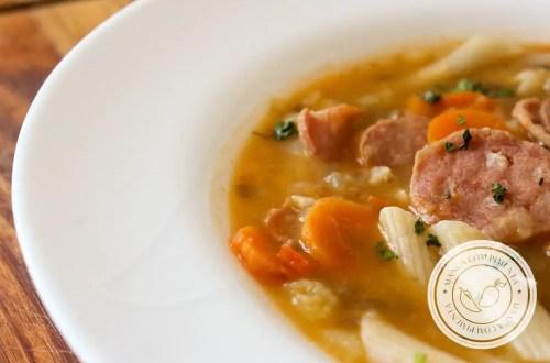 Receita de Sopa de Lentilha - um prato nutritivo e delicioso para toda a família.