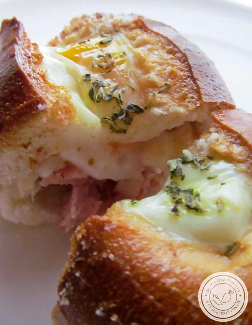 Receita de Pão Recheado ao Forno - aproveite aquele pãozinho amanhecido para preparar um lanche fácil e gostoso.