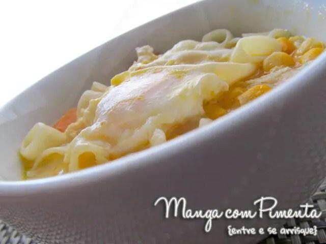 Sopa de Frango com Ovo