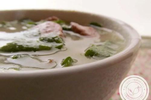 Sopa de Fubá com Couve e Linguiça Calabresa - um prato delicioso para aqueles dias frios!