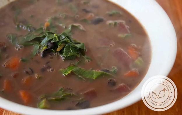 Receita Feijão de Outro Mundo - um delicioso prato caseiro com bastante legumes para o almoço da família!