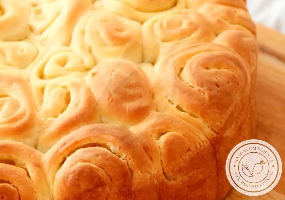 Receita de Pão Caracol ou Enroladinho com Manteiga - um pão quentinho para o café da manhã ou da tarde.