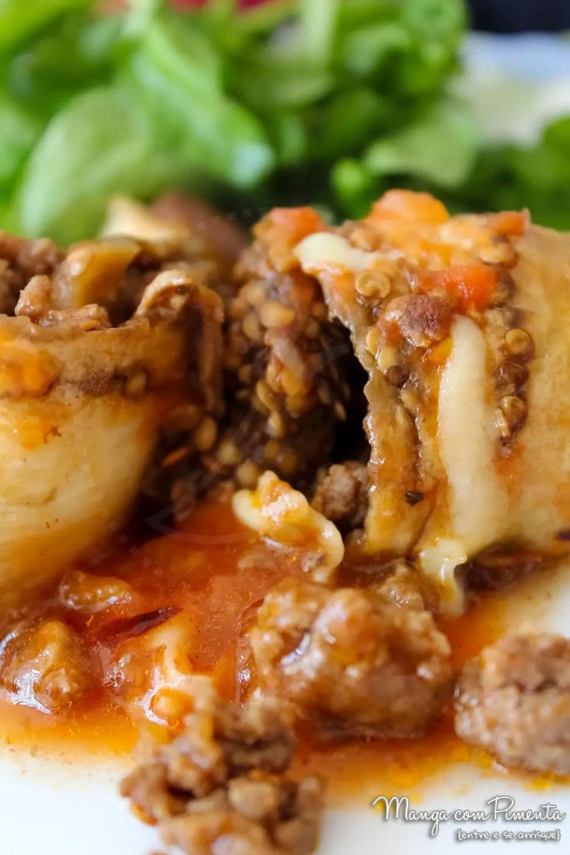 Rolinhos de Berinjela com recheio de Carne Moída e Molho de Tomate