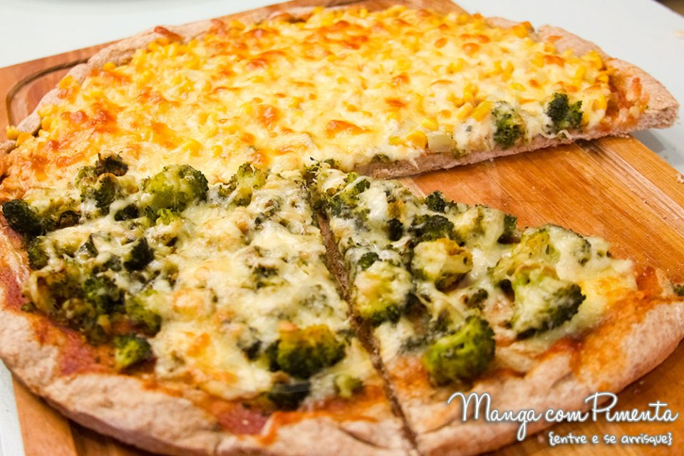 Massa de Pizza Caseira com Farinha Branca e Integral - Youtube