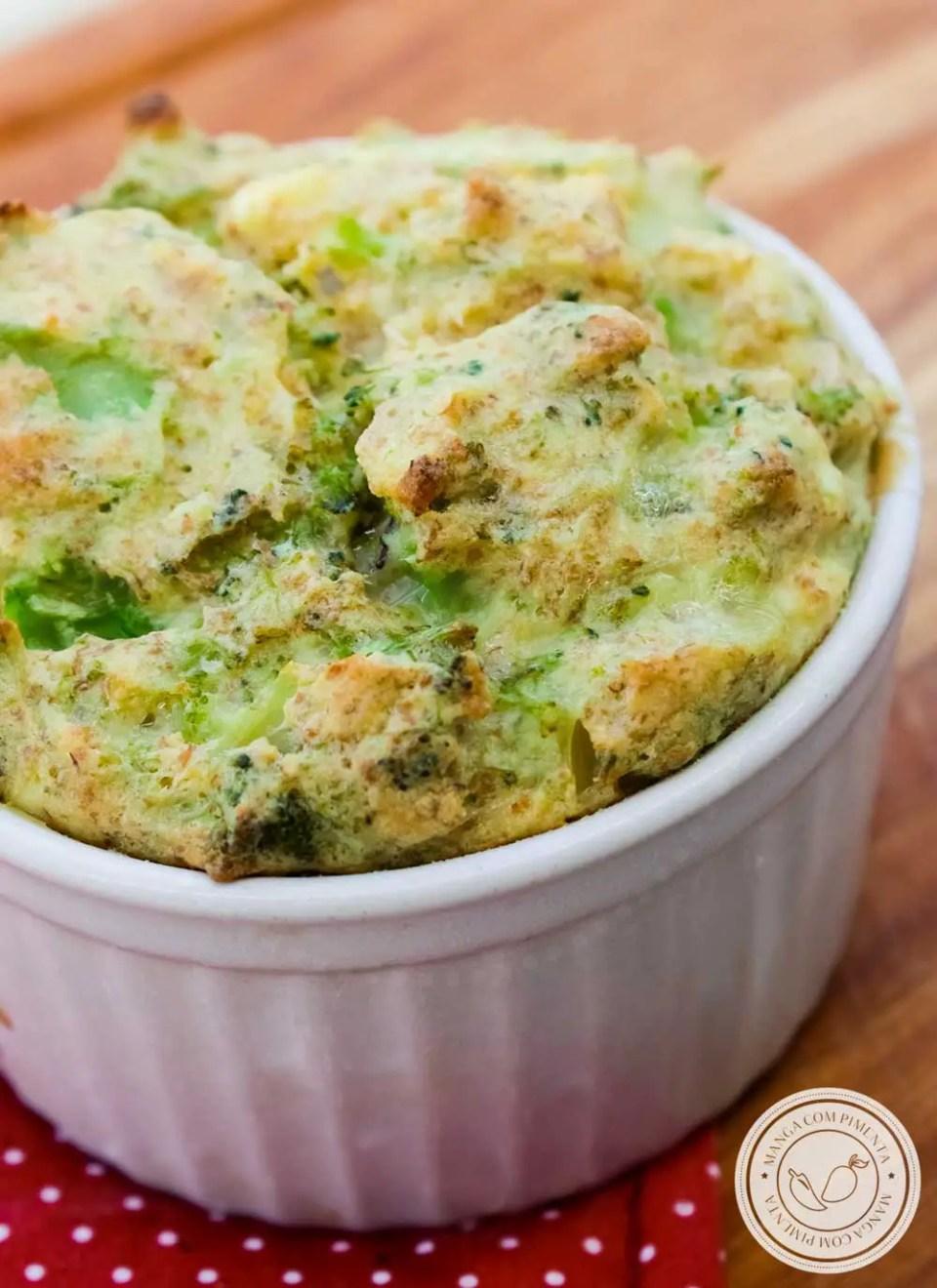 Receita de Suflê de brócolis Integral - um prato nutritivo para o almoço da semana da família.