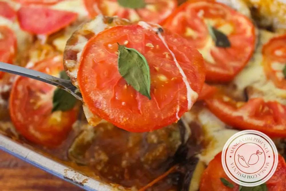 Receita de Berinjela a Marguerita - um delicioso prato de berinjela com queijo, tomate e manjericão.