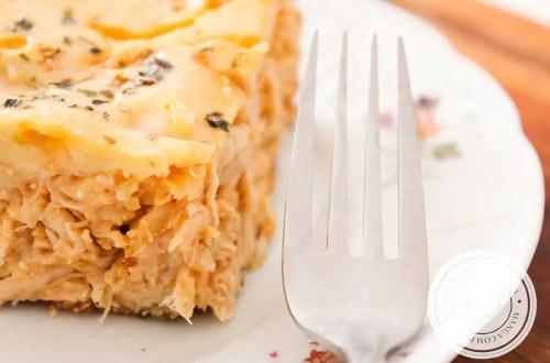 Receita de Torta de Liquidificador de Frango Cremoso - pode servir no almoço ou no lanche da tarde com as comadres.
