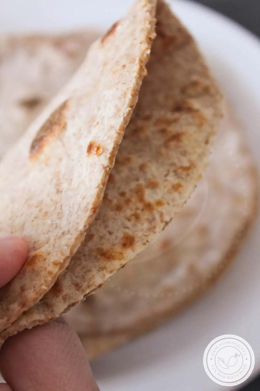 Pão Piadina com Farinha Integral - um delicioso pão com farinha integral feito na frigideira!