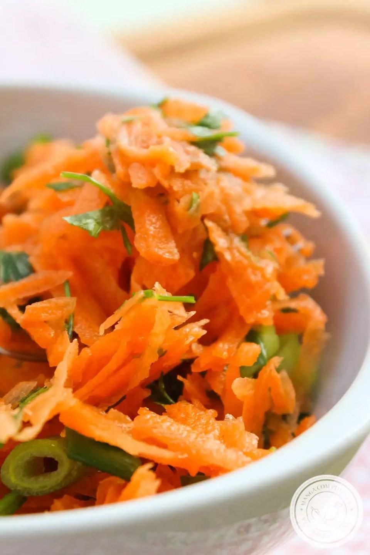 Salada de Cenoura com Vinagrete de Limão e Dijon - um prato delicioso francês para o seu almoço.