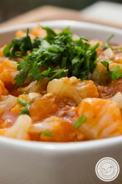 Molho Bolonhesa Vegano - feito com couve-flor e molho de tomate bem temperadinho!