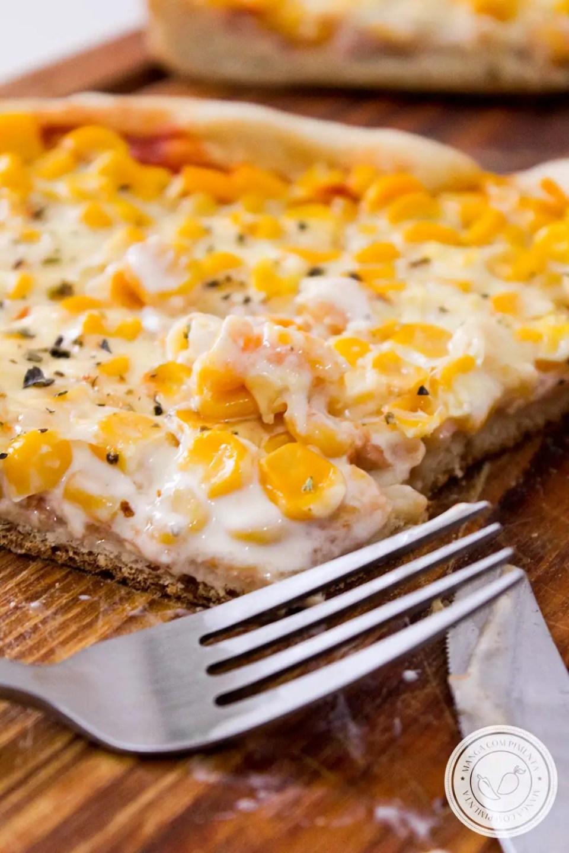 Pizza de Milho Verde e Requeijão - um delicioso lanche caseiro para o final de semana em família!