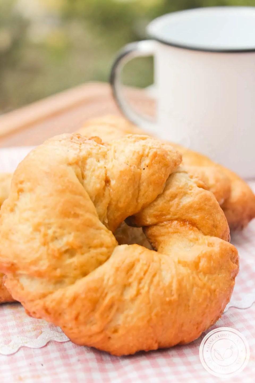 Rosquinha Caseira Mineira - um pão doce para servir no café da manhã ou para comer no lanche da tarde!