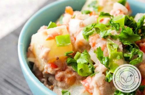 Receita de Salada de Atum com Batata e Tomate - um prato refrescante para o almoço ou jantar!