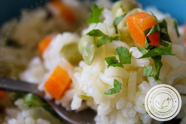 Receita de Arroz com Cenoura e Vagem - um prato delicioso para almoço ou jantar da semana!