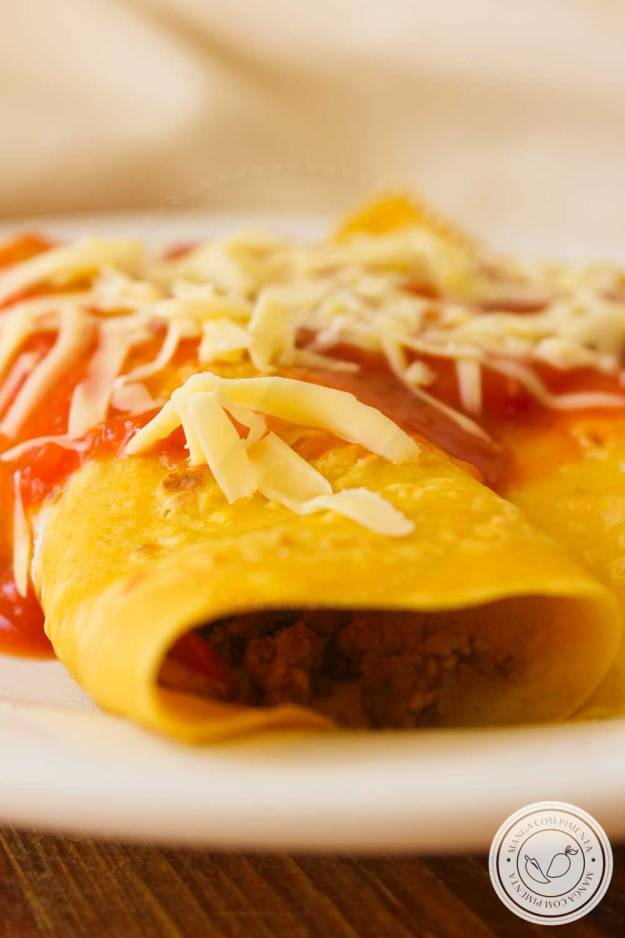 Receita de Panquecas de Cenoura recheadas com Carne Moída, um prato caseiro e delicioso para o almoço!