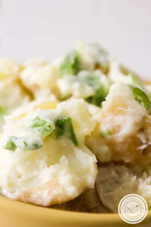 Receita de Salada de Batata Natalina - um prato barato e super fácil de fazer, prepare para os dias de festas!