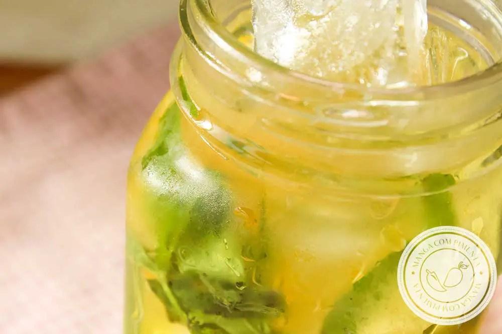 Receita de Água Saborizada de Laranja com Limão e Hortelã - uma bebida refrescante para curtir o verão!