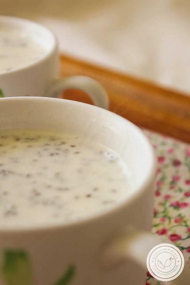 Receita de Pudim de Chia com Banana - um prato delicioso que não vai açúcar e nem lactose, prepare para o café da manhã!