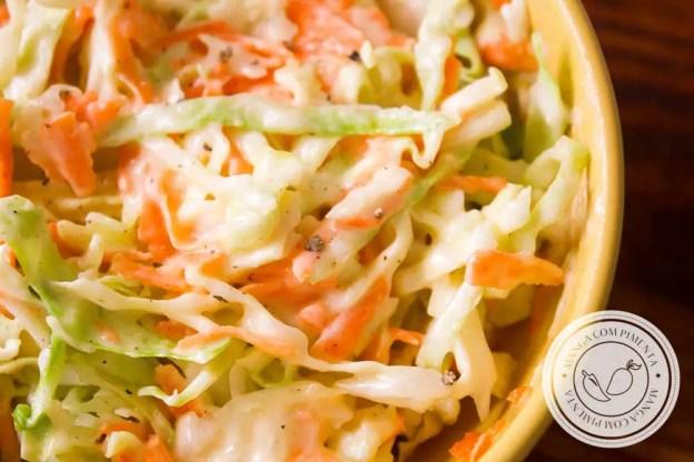 Receita de Salada de Repolho e Cenoura com Maionese - para o almoço ou jantar da semana com a família.