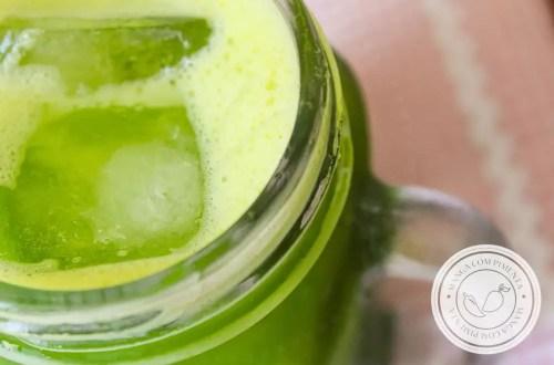 Receita de Suco Verde Tradicional - prepare uma deliciosa bebida para o café da manhã, cheia de nutrientes!