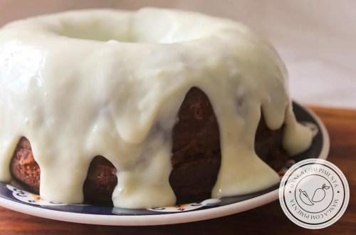 Receita de Bolo de Chocolate com Mousse de Limão - um agrado delicioso em forma de doce para todas as pessoas que você ama!