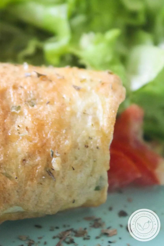 Receita de Omelete de Aveia com Queijo e Tomate - um prato nutritivo para os dias corridos da semana!