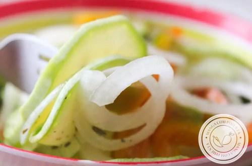 Receita de Salada de Abobrinha Italiana Crua - prepare para o almoço da semana!