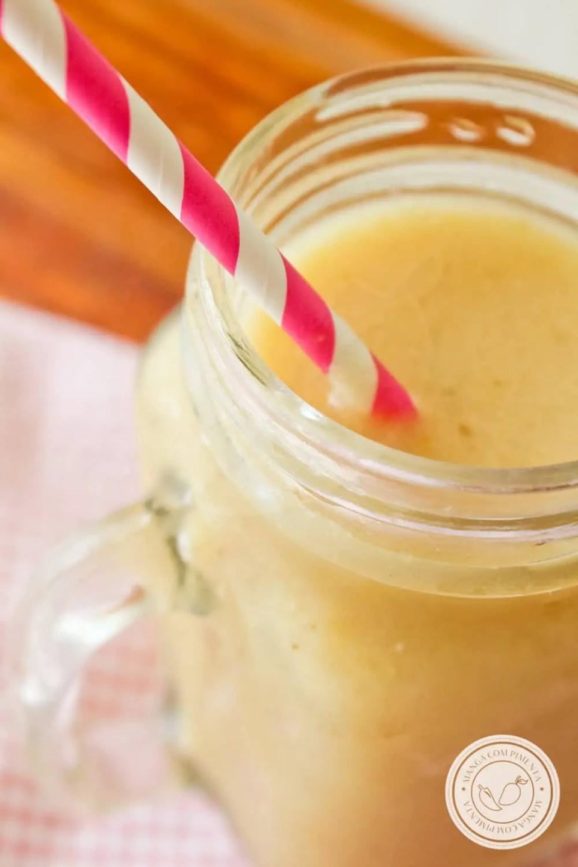 Receita de Smoothie Vegano de Banana - uma bebida gostosa para o café da manhã!
